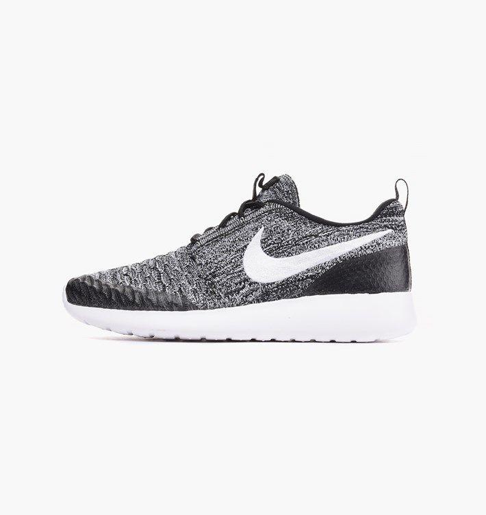 caliroots.se Wmns Roshe One Flyknit Nike 704927-010 210804