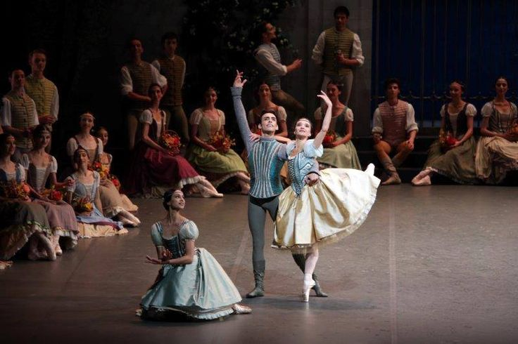 Martina Arduino in Ratmansky's Swan Lake – a ballet star is born at La Scala? - Pas de trois with Agnese Di Clemente, Daniela Cavalleri and Walter Madau  – photo by Brescia and Amisano Teatro alla Scala