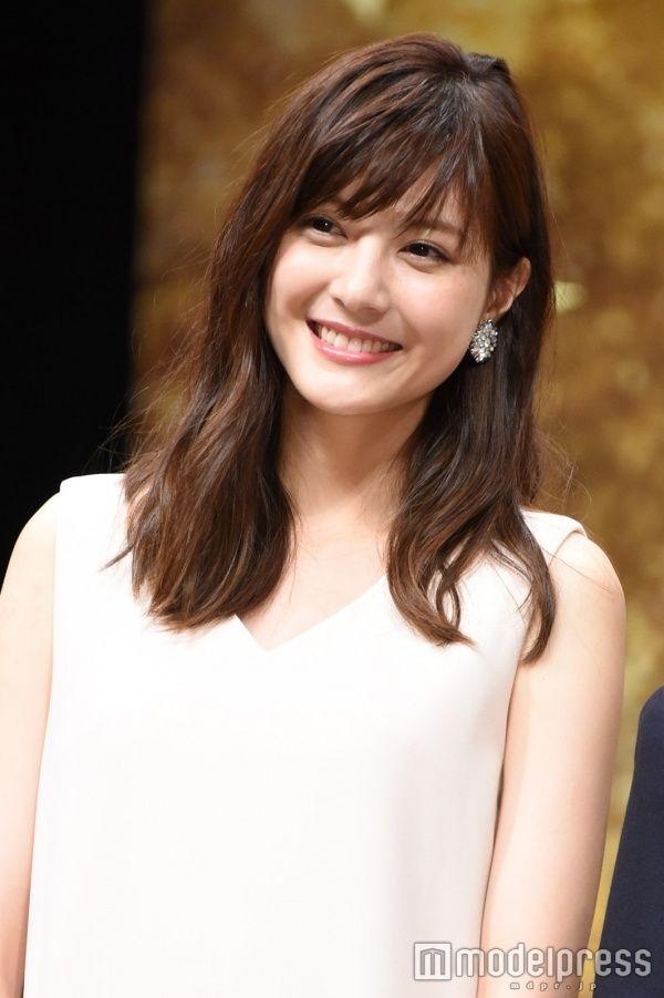 【佐藤ありさ/モデルプレス=12月28日】モデルで女優の佐藤ありさが、28日発売の雑誌「MORE」2月号の表紙に登場。インタビューでは新婚生活について語った。