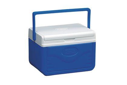 Deze kleine koelbox van Coleman heeft een inhoud van 4,7 liter. De deksel is afneembaar en dient gelijk als dienblad. handig op het strand dus! >> http://www.kampeerwereld.nl/coleman-fliplid-6-personal-cooler/