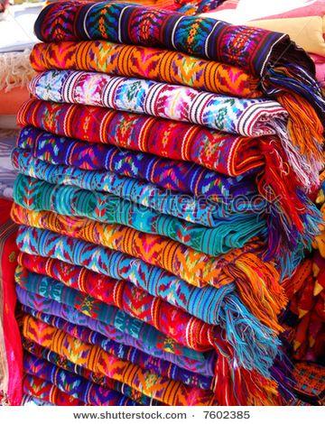 Textiles del mercado de Santo Domingo en San Cristobal de las Casas, Chiapas.