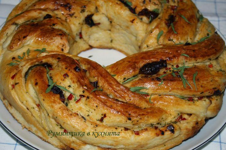 Румянтика в кухнята: Хляб (венец) с чеснова плънка