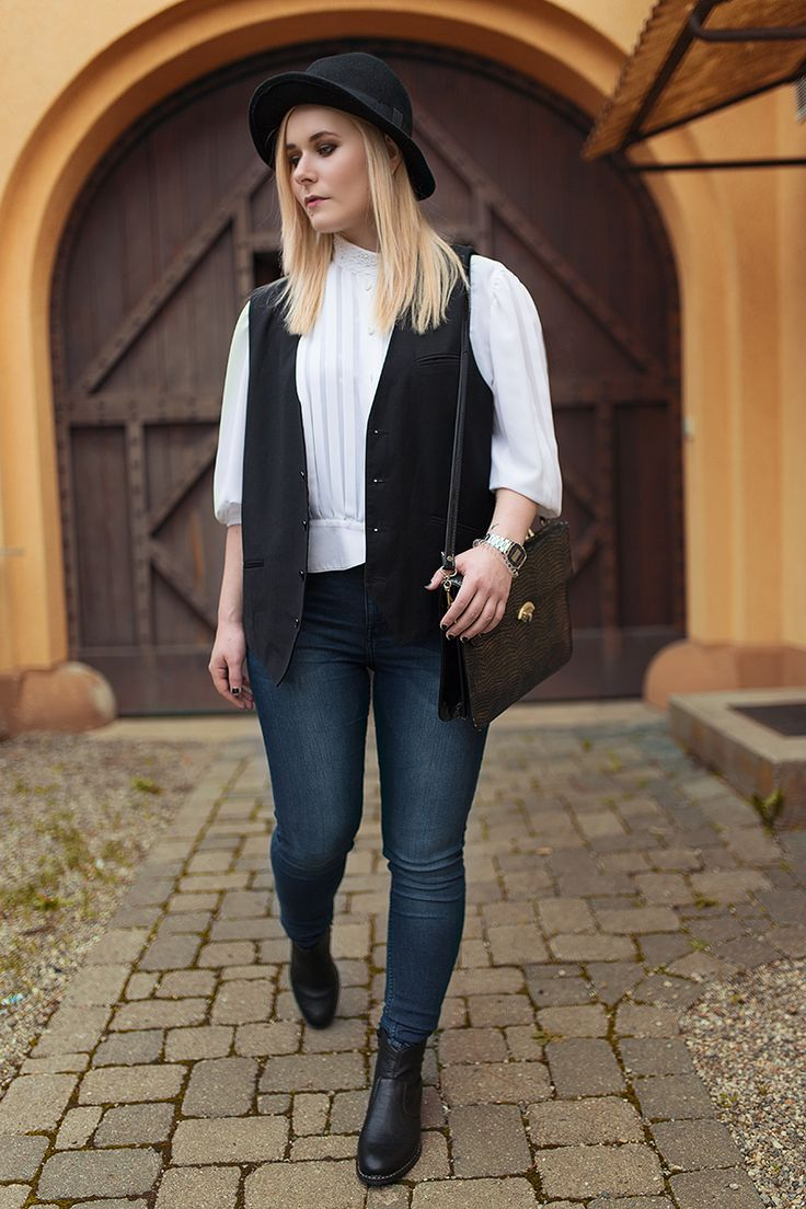 Blue Jeans, White Shirt, Look, Style, Outfit, Trend,