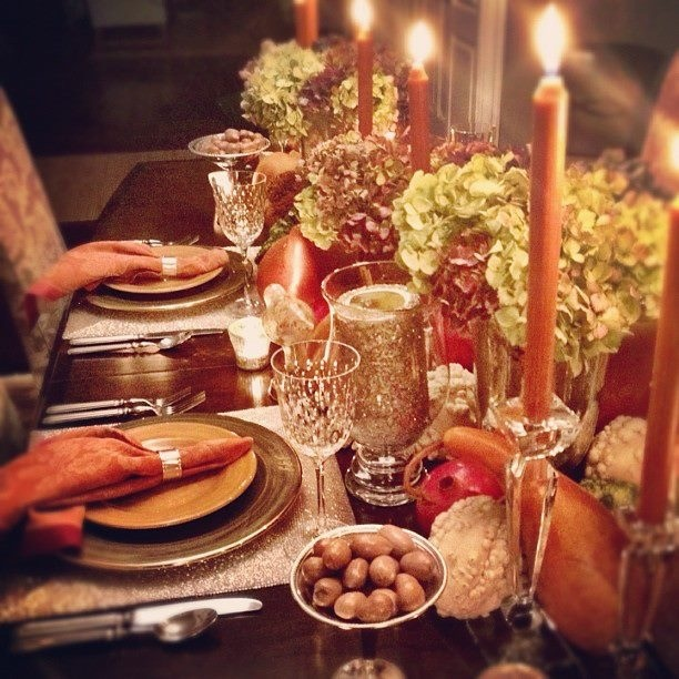 Fall table setting fall table settings pinterest for How to set a round table for thanksgiving