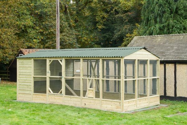 A 9x18' chicken coop and run It's always nice to return to an existing customer. In this case they were moving to a new property with more grounds for the chickens. https://www.chicken-house.co.uk/green-valley-poultry-supplies/9x18-chicken-coop-run/
