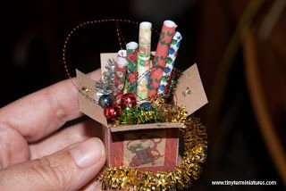 Tiny Ter Miniatures: Preparation for installation of Christmas tree
