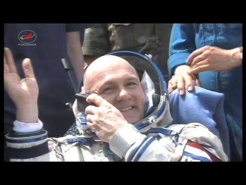 Landing of Andre Kuipers  1-7-2012 - YouTube