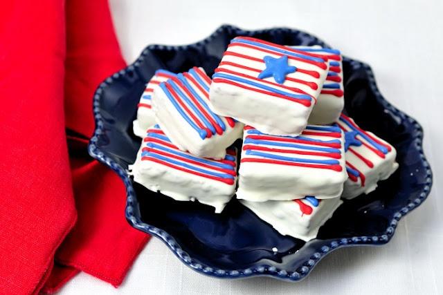Haniela's: 4th of July Cake Bites: Haniela S, July Cake, Cakes, Cake Bites, Cake Pop, 4Th Of July, July 4Th, July Ideas, 4Th July