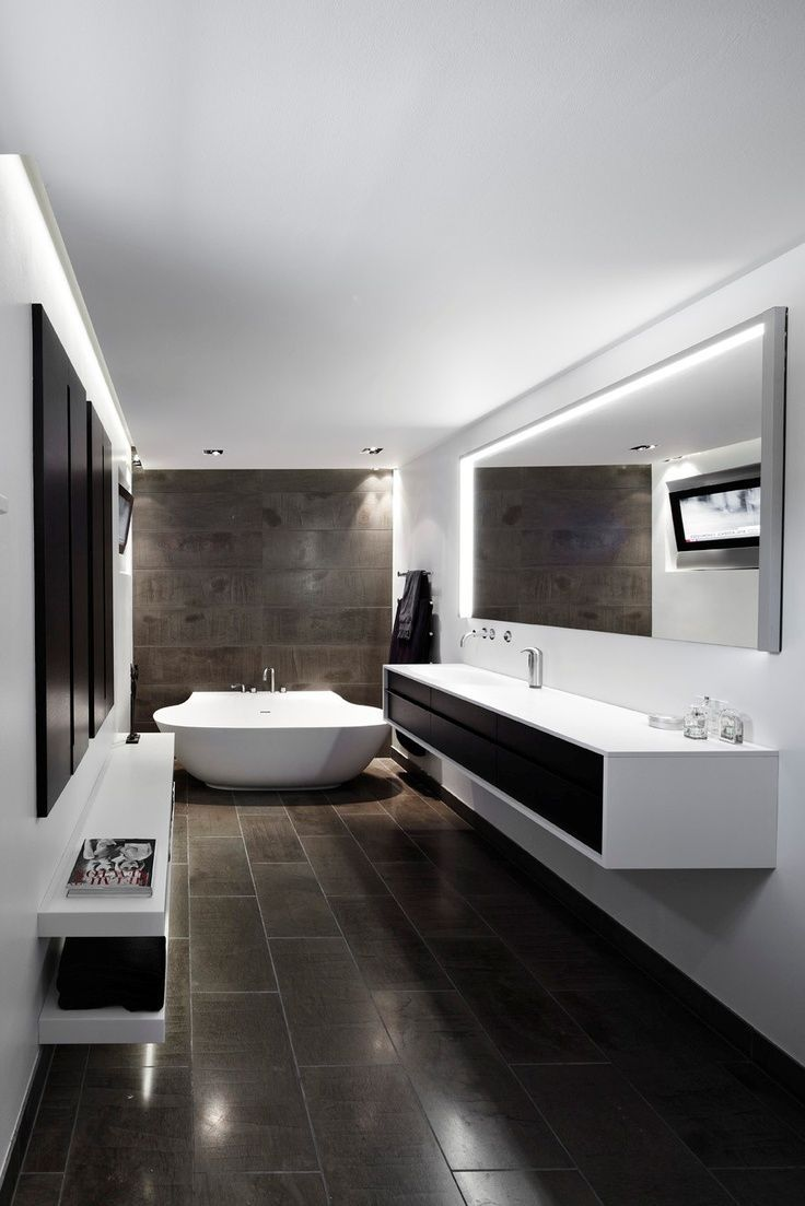 The super sleek and modern bathroom everyone is dr…