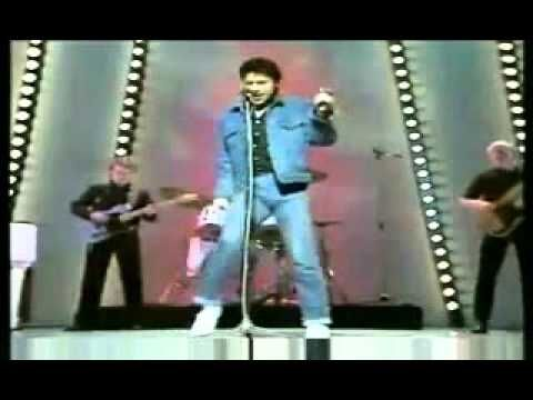 Shakin Stevens-O Julie (1982) - YouTube