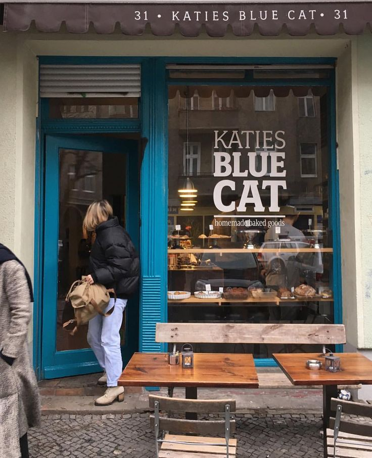 Katie's Blue cat coffeeshop bakery Berlin