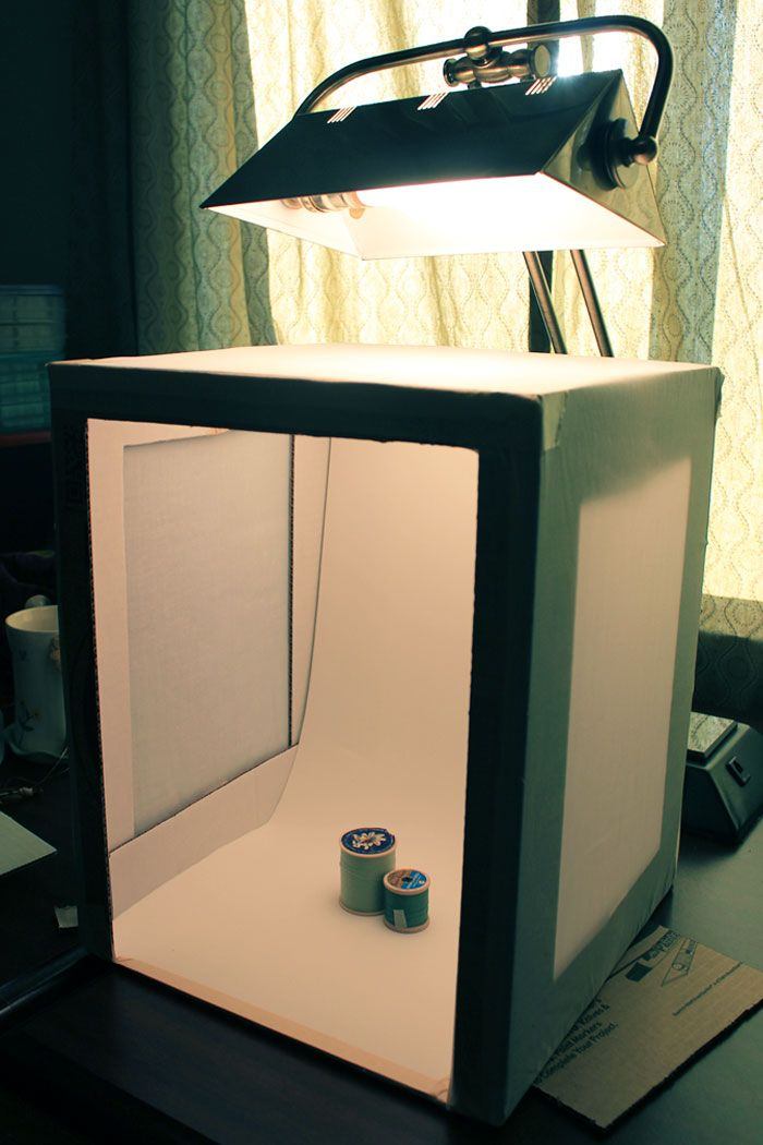 DIY photo lightbox (good for etsy-ers... and craft bloggers! :>)