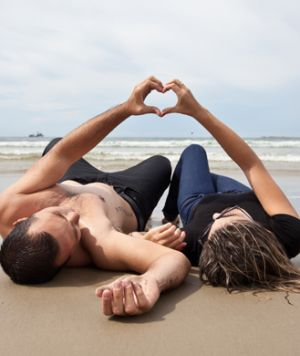40 Free Date Ideas You'll Both Love: 8. Go to the Beach Many beaches and lakes are free to visit, which makes them an ideal spot for a romantic rendezvous. You can take a long walk along the shore, have a stone-skipping contest, or simply gaze at the waves while you get to know each other better.