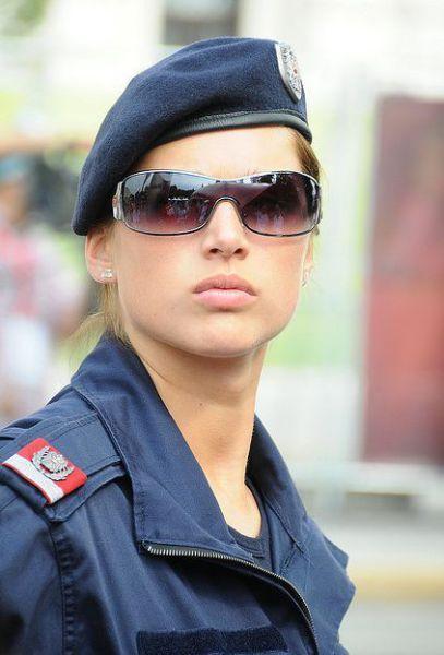 Female police officer Austria