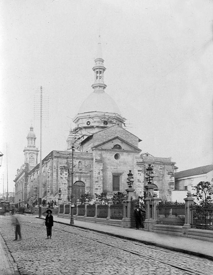 Vista de la Catedral de Santiago desde calle Catedral 1900.