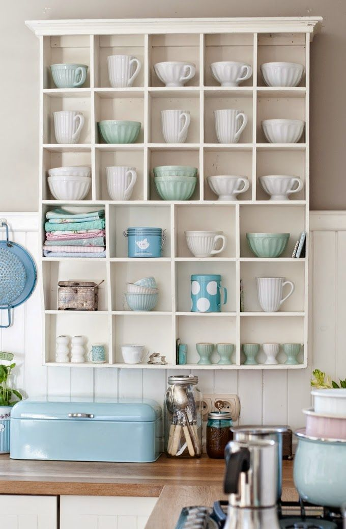 House of Turquoise: Minty House