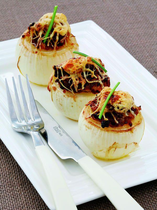 Gusto al paladar, degustando una Cebolla Asada Rellena (Receta Facil). http://www.saborcontinental.com/2014/06/cebolla-asada-rellena/
