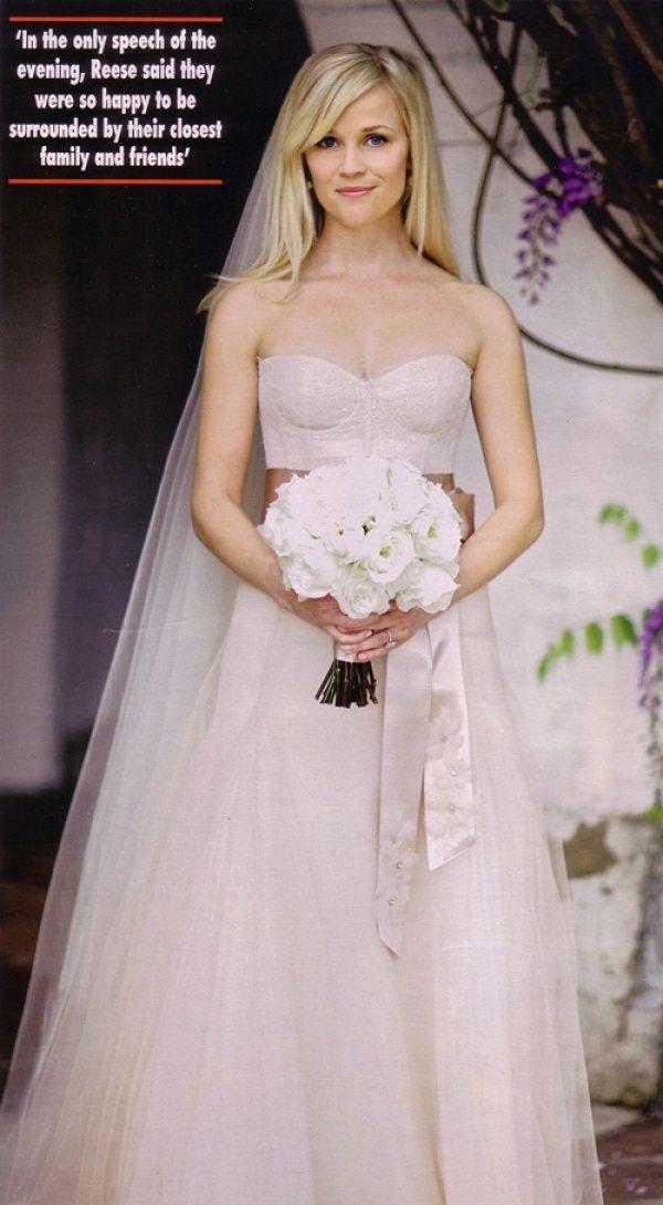 Kelly Caresse | Celebrity bruiden inspiratie : De steren en hun bruidsjurken Reese witherspoon weddingdress trouwjurk