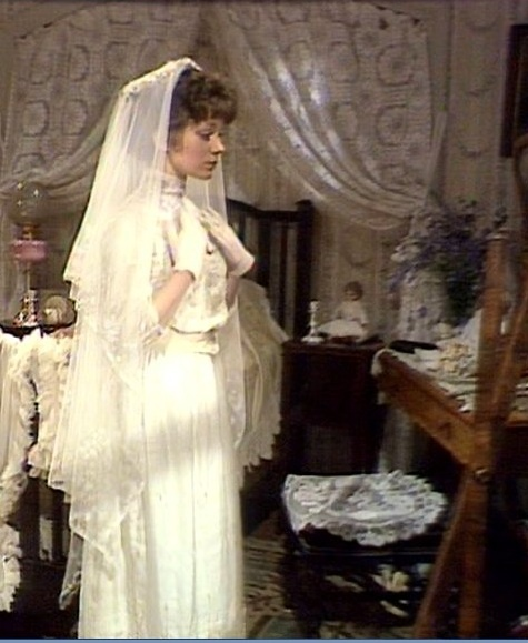 Anne of avonlea wedding dress