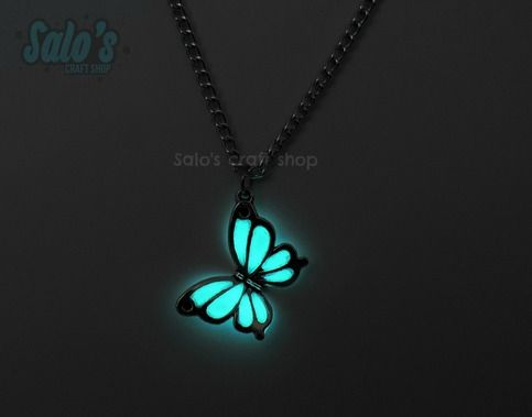 This+cute+necklace+has+a+beatufiul+charm+of+a+butterfly+with+glow+in+the+dark+wings!+It+includes+its+matching+chain+of+50+cm+long.    The+glow+in+the+dark+material+absorbs+light+(sunlight,+uv+light,+bulb+light)+and+transforms+it+into+glow!+The+material+is+rechargeable+for+thousands+of+times!+    ...