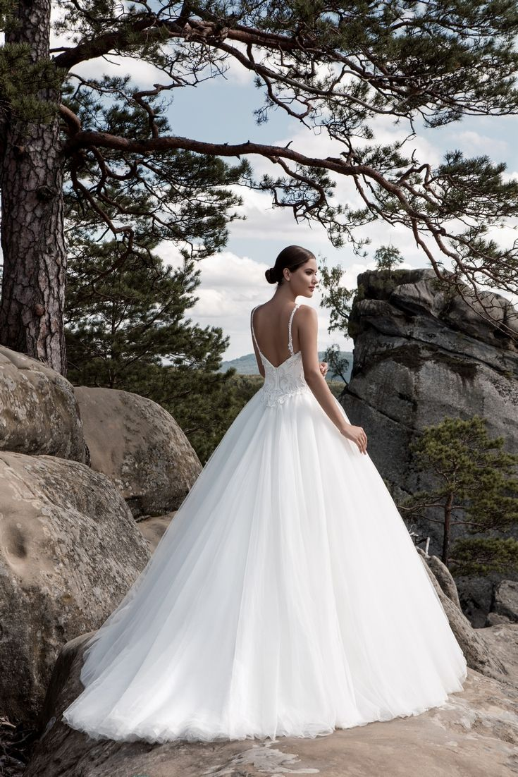 Legendary Wedding Boutique: Enchanted Collection 2017 002b