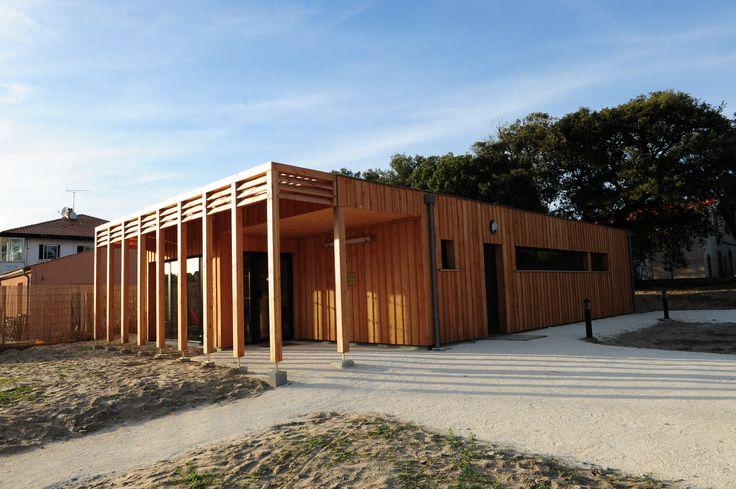 Construction d'un cabinet médical  maitrise d'ouvrage : privée maitrise d'œuvre : H27architectes - Marc Benayoun livraison : 2013 photographe : Marc Benayoun