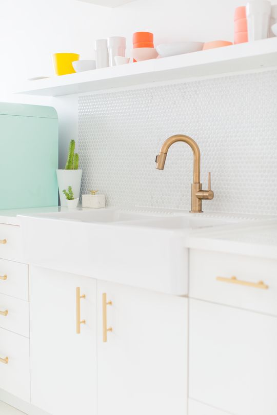 How to make this DIY countertop for $36!  sugar and cloth studio kitchenette | sugar & cloth