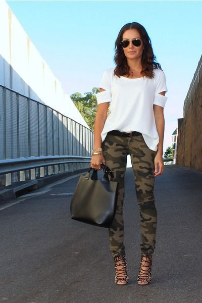 A white cutout crew-neck t-shirt and olive camouflage slim jeans are perfect for both running errands and a night out. Why not add black leather gladiator sandals to the mix for a more relaxed feel?   Shop this look on Lookastic: https://lookastic.com/women/looks/crew-neck-t-shirt-skinny-jeans-gladiator-sandals-tote-bag-belt-sunglasses-bracelet/12704   — Black Sunglasses  — White Cutout Crew-neck T-shirt  — Black Leather Belt  — Gold Bracelet  — Black Leather Tote Bag  — Olive Camouflage…