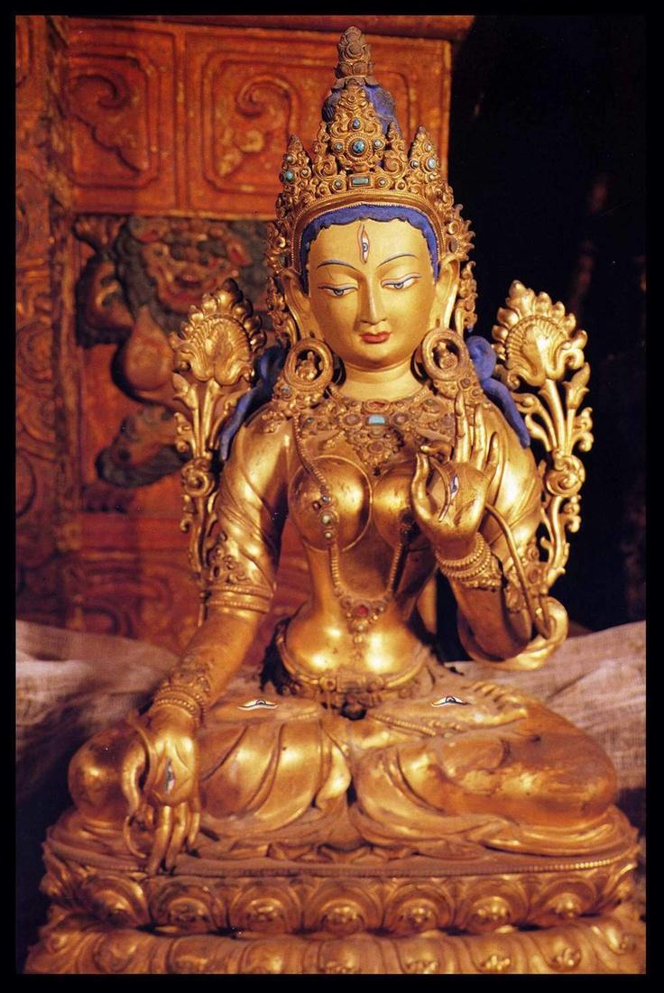 White Tara (in Potala Palace) paz - fé - espiritualidade - esperança - amor - energia - oração - meditação - reflexão -  conhecimento