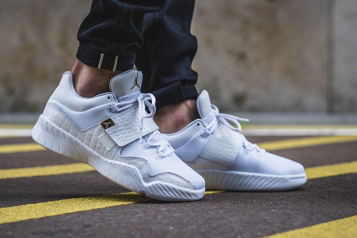 "Jordan J23 ""White/Metallic Gold"" - EU Kicks Sneaker Magazine"