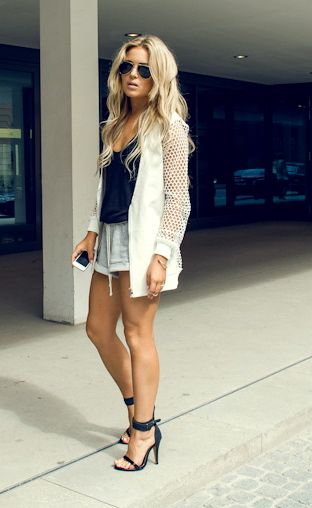 Those heels complete this outfit.