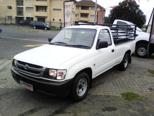 2002 Toyota Hilux 2.4 diesel Goodwood - image 3