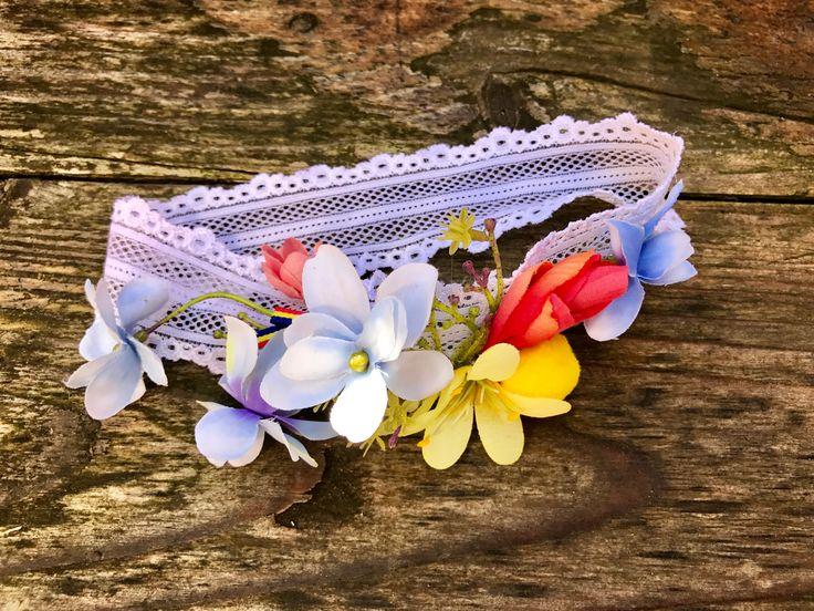 #Bentita #florala pentru un #botez #traditional #romanesc by Atelier Floristic Aleksandra concept Alexandra Crisan