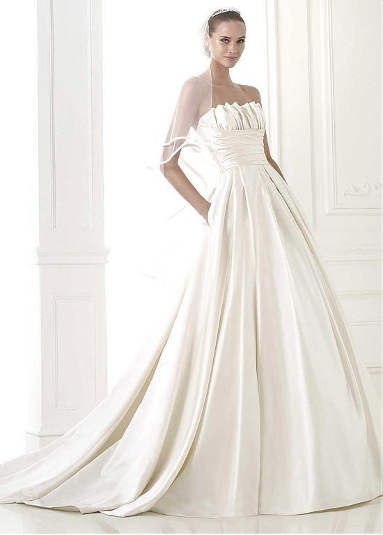 STUNNING SATIN A-LINE STRAPLESS NECKLINE NATURAL WAISTLINE WEDDING DRESS IVORY WHITE LACE BRIDAL GOWN HANDMADE CUSTOM