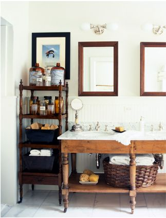Lovely antique bathroom, love the sink