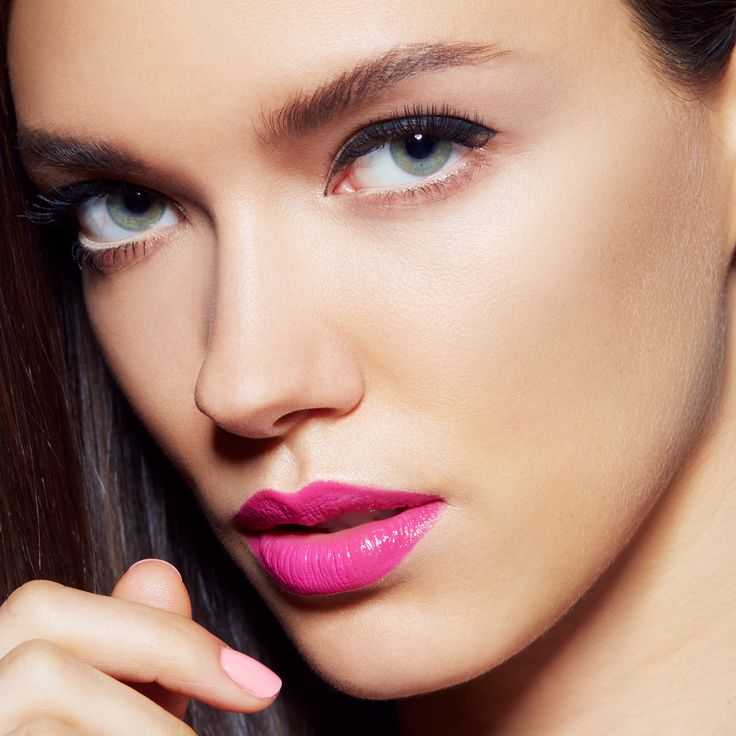 Retro winged eyeliner gets a modern makeover with a hot pink lip. Get this look with SuperStay 24 Color in 'On and On Orchid' for a dramatic lip that lasts all day. Click through to explore makeup inspiration and more in Maybelline's Beauty Archive.