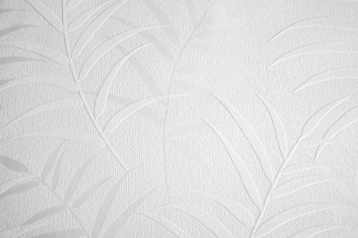 Hvid tapet fra firmaet rasch. Klassisk og flot hvid tapet der passer til et hvert rum. Tapeten er spaltbar, lysægte og vaskbar. Mål: 10,05x 0,53 m Rapport: 32 cm Klisterpåføres rullen. Vi anbefaler denne klister til opsætning. Levringstid 2 dage.