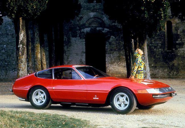 Ferrari 365 GTB/4 Daytona - 1968/1974 - 1 412 exemplaires - Salon de Paris 1968