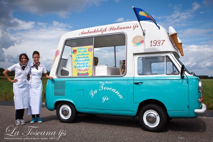 Deze #retro #ijswagen kunnen we in #Eindhoven en omgeving inzetten. #ijs #ijskar #lekker #catering #ijscokar #bruiloft #trouwen