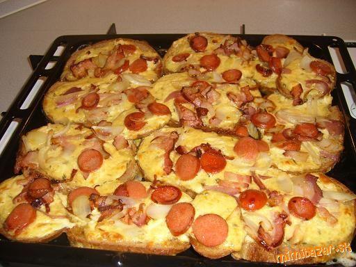 Zapekané chlebíky so syrom a slaninkou