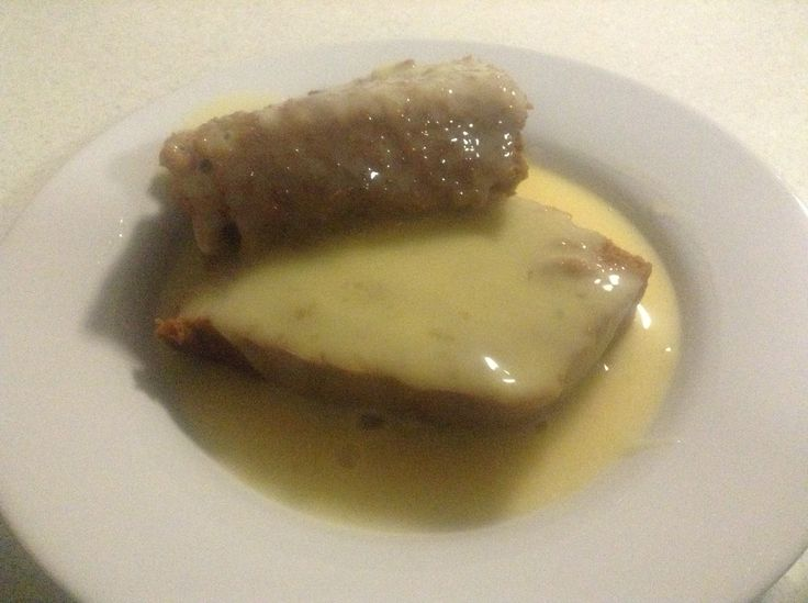 Pureni - steam pudding with custard