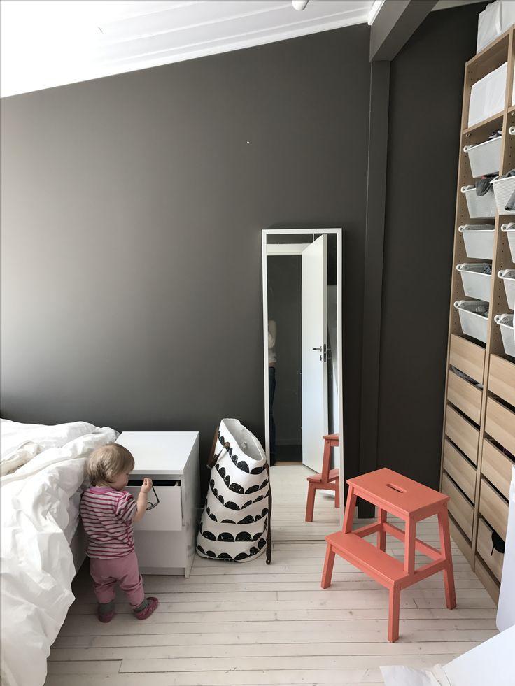 Jotun Velvet Grey, Ikea Pax, Ikea Malm