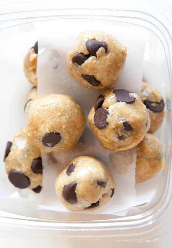 Healthy No-Bake Chocolate Chip Cookie Dough Bites - When you're craving cookie dough, make this healthy version that tastes like the real thing! Ready in 5 minutes & so easy!