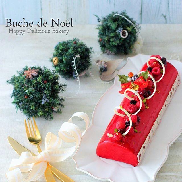 WEBSTA @ airio830 - ブッシュドノエル.ルージュフランボワーズのムース꒰ˊૢᵕˋૢෆ꒱ このときまだ試作中でここから改良꒰๑•‧̮ૣ•ૣ๑꒱*・.。 真っ赤なクリスマスケーキクルクルチョコも久々。すぐ固まるあたり寒くなったんだなぁ〜〜ってお菓子作りながら季節を感じる◖ฺ|⌯˃̶₎₃₍˂̶ ॣ|◗·˳♪⁎˚♫....#ブッシュドノエル#フランボワーズムース#フランボワーズ#フルティエール#トヨ型#あいりおースイーツ#手作りお菓子#コッタ#クッキングラム #クッキングラムアンバサダー #菓子#linstagram #locari #igersjp #instafood #instagramjapan #kurashiru #kurashirufood #おやつ#デリスタグラマー#キナリノ#lin_stagrammer#