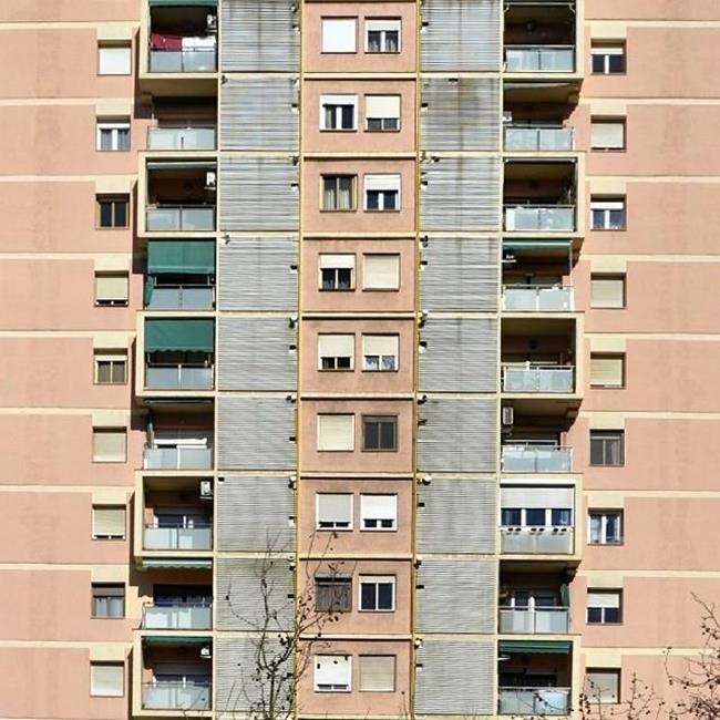 Binaların Kapı ve Pencereleriyle Simetrik Fotoğraflar Çeken Sanatçıdan 30+ Çalışma Sanatlı Bi Blog 19