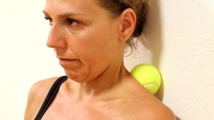 Stop al dolore cervicale in 6 minuti. Esercizi efficacissimi per migliorare la flessibilità e la funzionalità del collo,  prevenire e attenuare i problemi alla cervicale, in modo naturale. #collo #cervicale #stretching #ginnastica #fitness #homefitness
