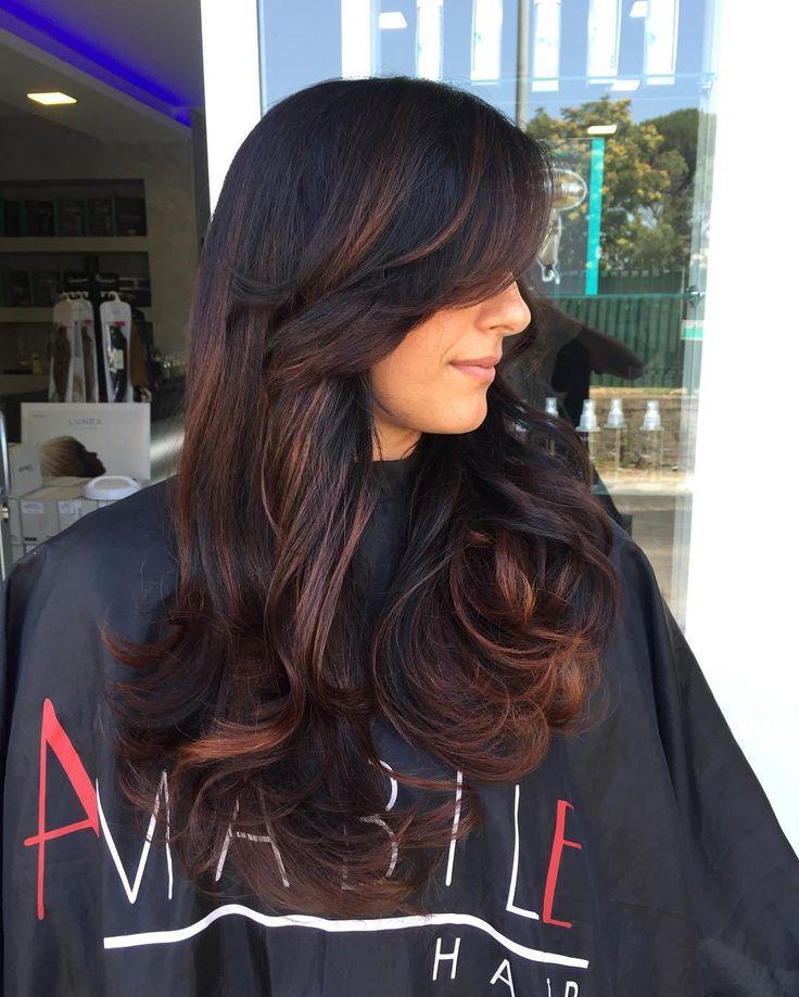 Sfumature calde su base scure 😍 Marrone by amabile  I capelli sono un fattore importantissimo per  L'aspetto di una donna ❤️ABBINE CURA#capelli #parrucchieri #sh #shatush #amabilehair #clubpartenopeo #neasy #napoli #extensions #mugnano #marano #giugliano #arzano #villaricca #followme #avellino #vomero #hair #haircolor #capri #procida #ischia #romantic #stile #roma