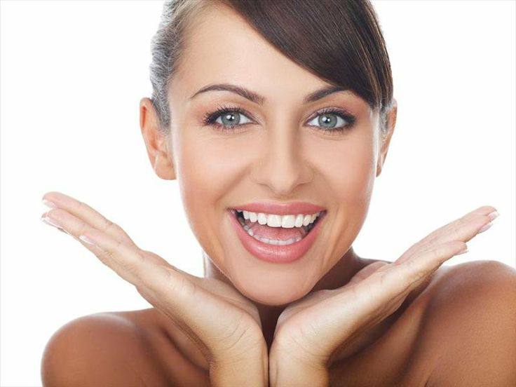 Odata cu aparitia stomatologiei cosmetice, albirea dintilor cu laserul a devenit o optiune posibila si din ce in ce mai folosita de catre pacienti. Medicii stomatologi o recomanda ca fiind cea mai eficienta metode de albire dentara!  Mai multe detalii pe: http://www.gentledentist.ro/albire-dentara-laser/cabinet-stomatologic-bucuresti/albire-dinti