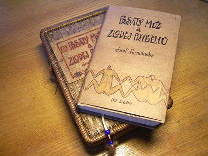 Doposloucháno... v podobě zakoupené audioknihy. Neuvěřitelný příběh o cestování, životní krizi i cesty z ní...Info: https://www.kosmas.cz/knihy/211459/prsaty-muz-a-zlodej-pribehu/