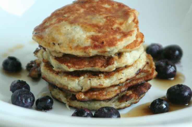 Pannenkoeken hebben een ongezond imago. Onterecht, kijk eens naar deze 10 gezonde pannenkoeken recepten. Gebruik ander meel of voeg groente & fruit toe.
